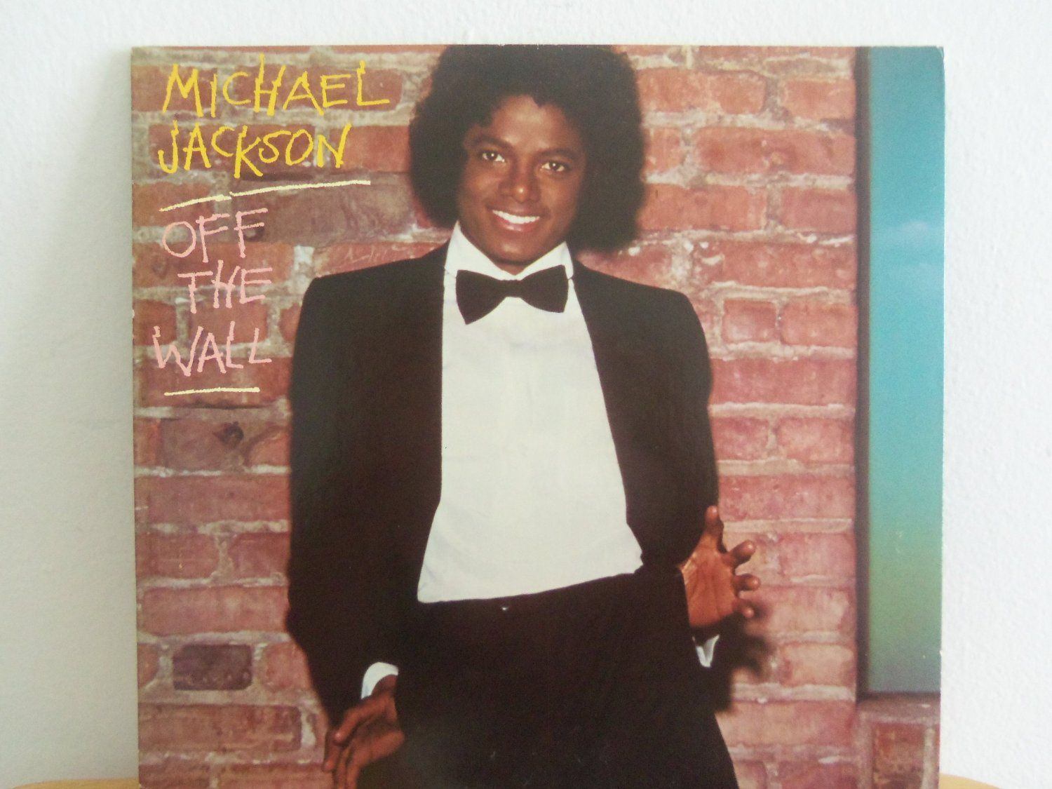 michael jackson off the wall 1st solo album lp the on off the wall id=13530