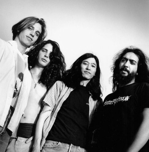Soundgarden. Chris Cornell was so pretty. | Fav music ...