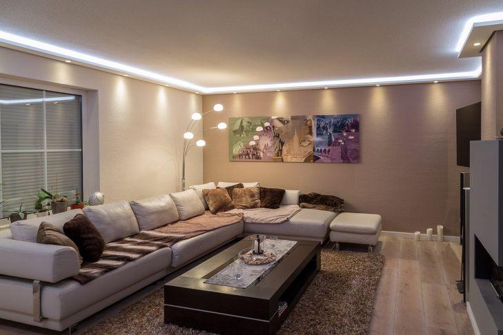 Stuckleisten Lichtprofil für indirekte LED Beleuchtung von Wand und