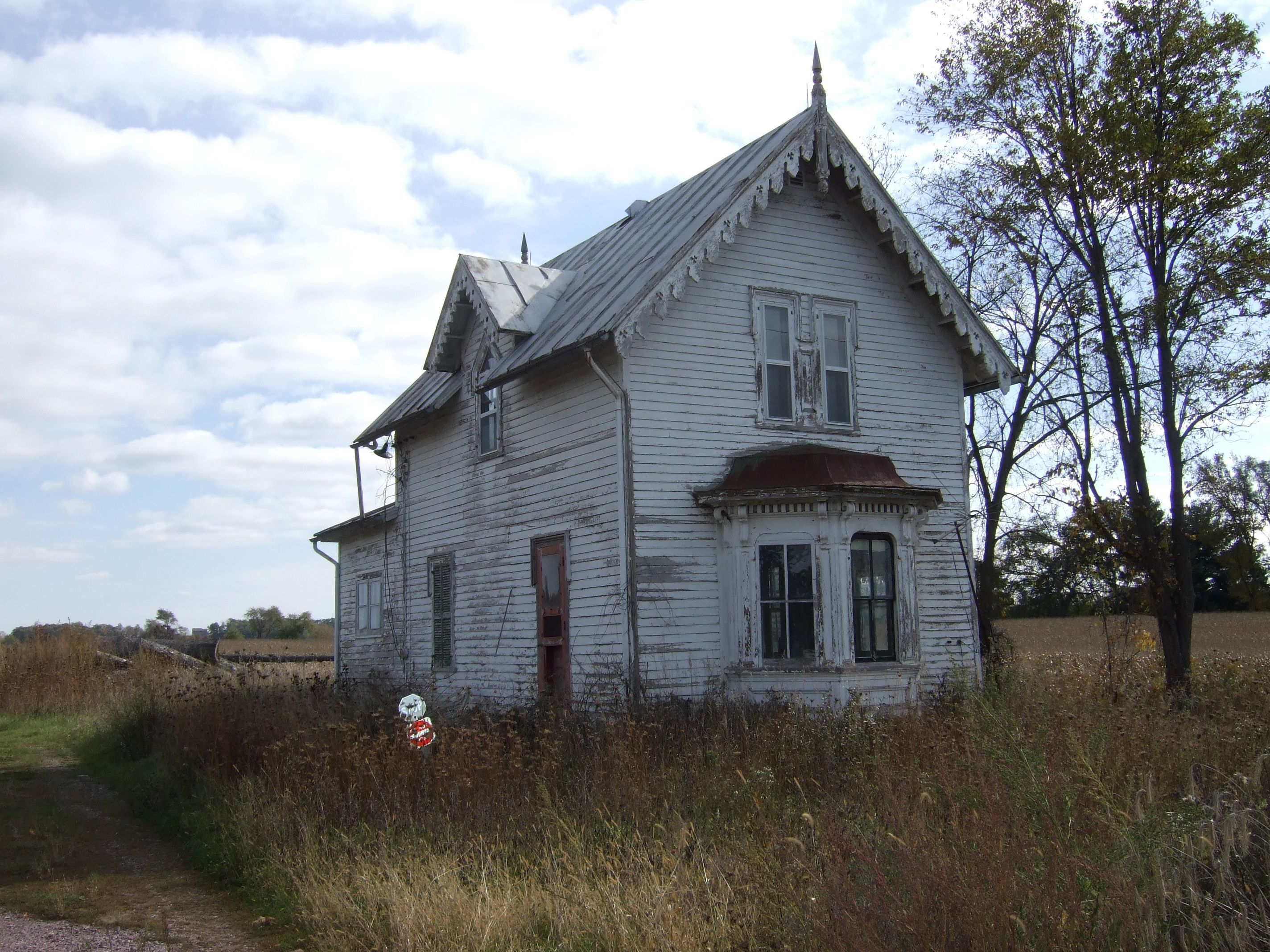 Abandoned Farmhouse Lakes Abandoned And Abandoned Places