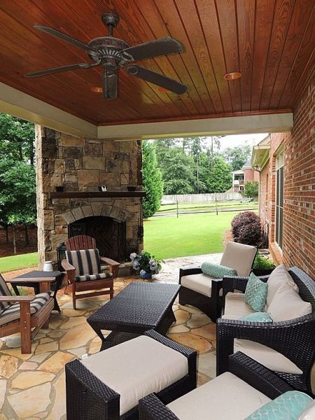 outdoor covered patio with fireplace Cozy covered patio with outdoor fireplace #outdoorspaces #