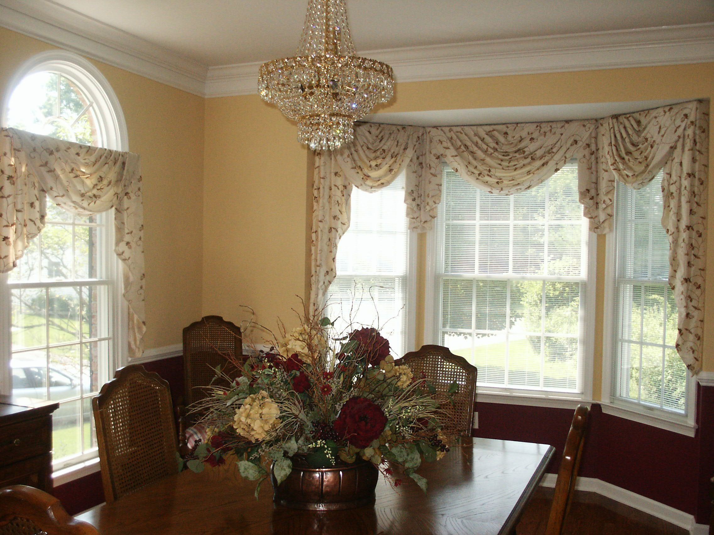 Swag Amp Jabot Treatment On Bay Window