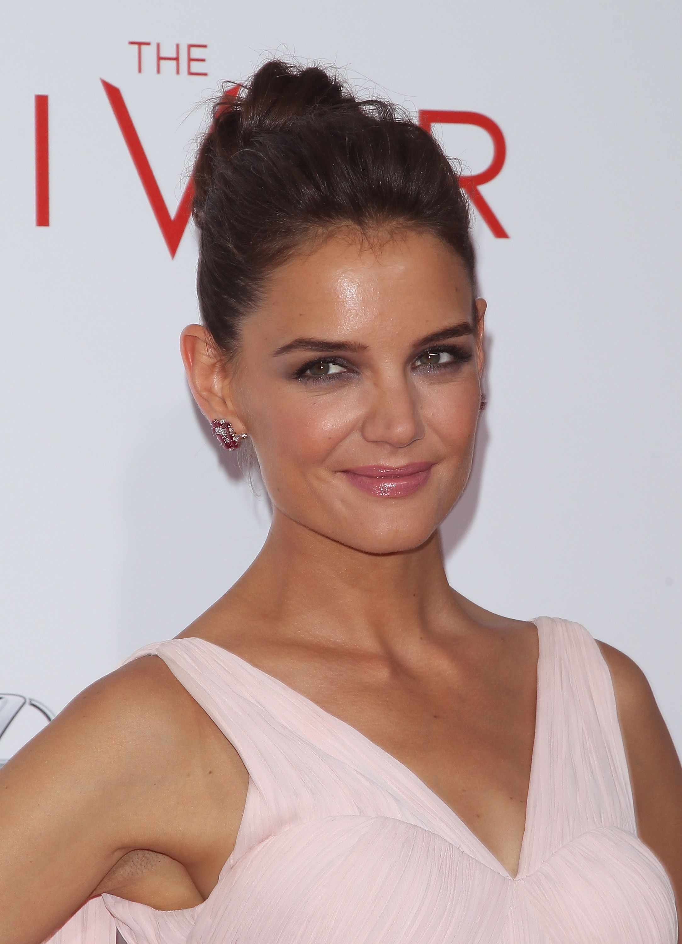 Get the look Katie Holmes s tousled chic ballerina bun
