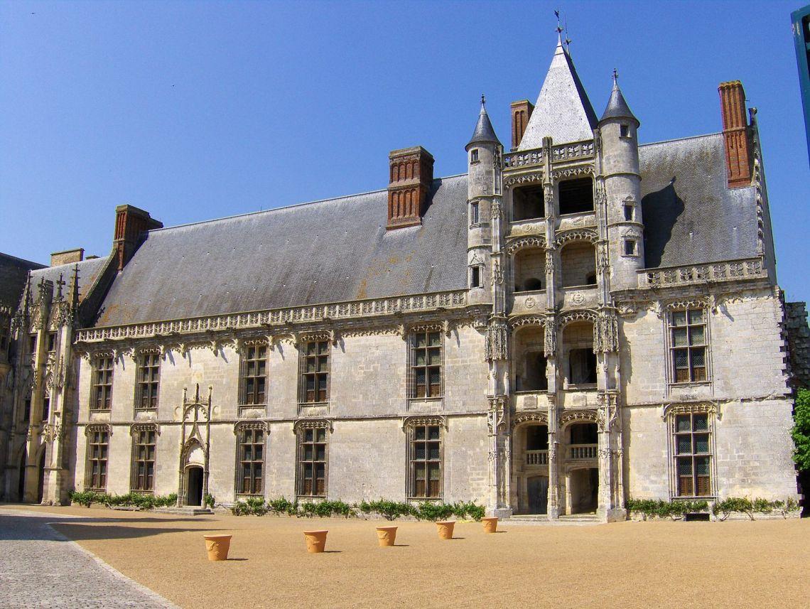 16th Century French Home - 91b9722fdb8b7b81501c48d2f5b99d03_Great 16th Century French Home - 91b9722fdb8b7b81501c48d2f5b99d03  Pic_39258.jpg