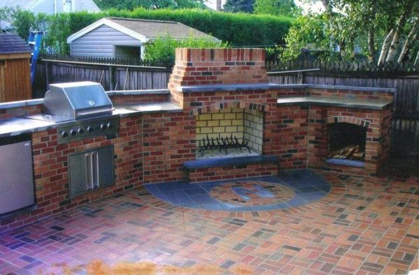 brick patio with outdoor kitchen outdoor kitchen in brick | Brick Patio & Outdoor Kitchen