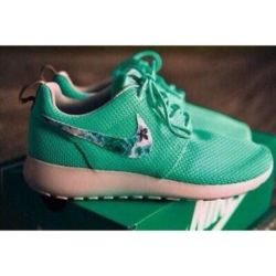 cheaper a99d6 1ba53 Shoes Nike Running Shoes Nike Roshe Run Floral Need These Lush Green