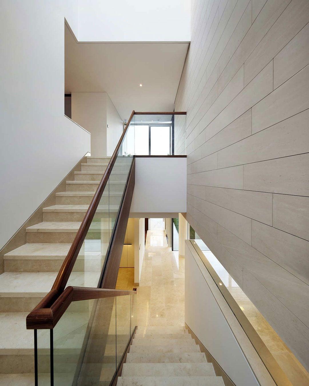 21 Beautiful Modern Glass Staircase Design Railings   Modern Banisters And Railings