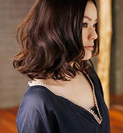 Nysobukyfi Hairstyles 2011 Women Medium Length