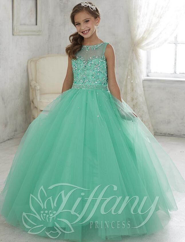 Color de vestido verde jade