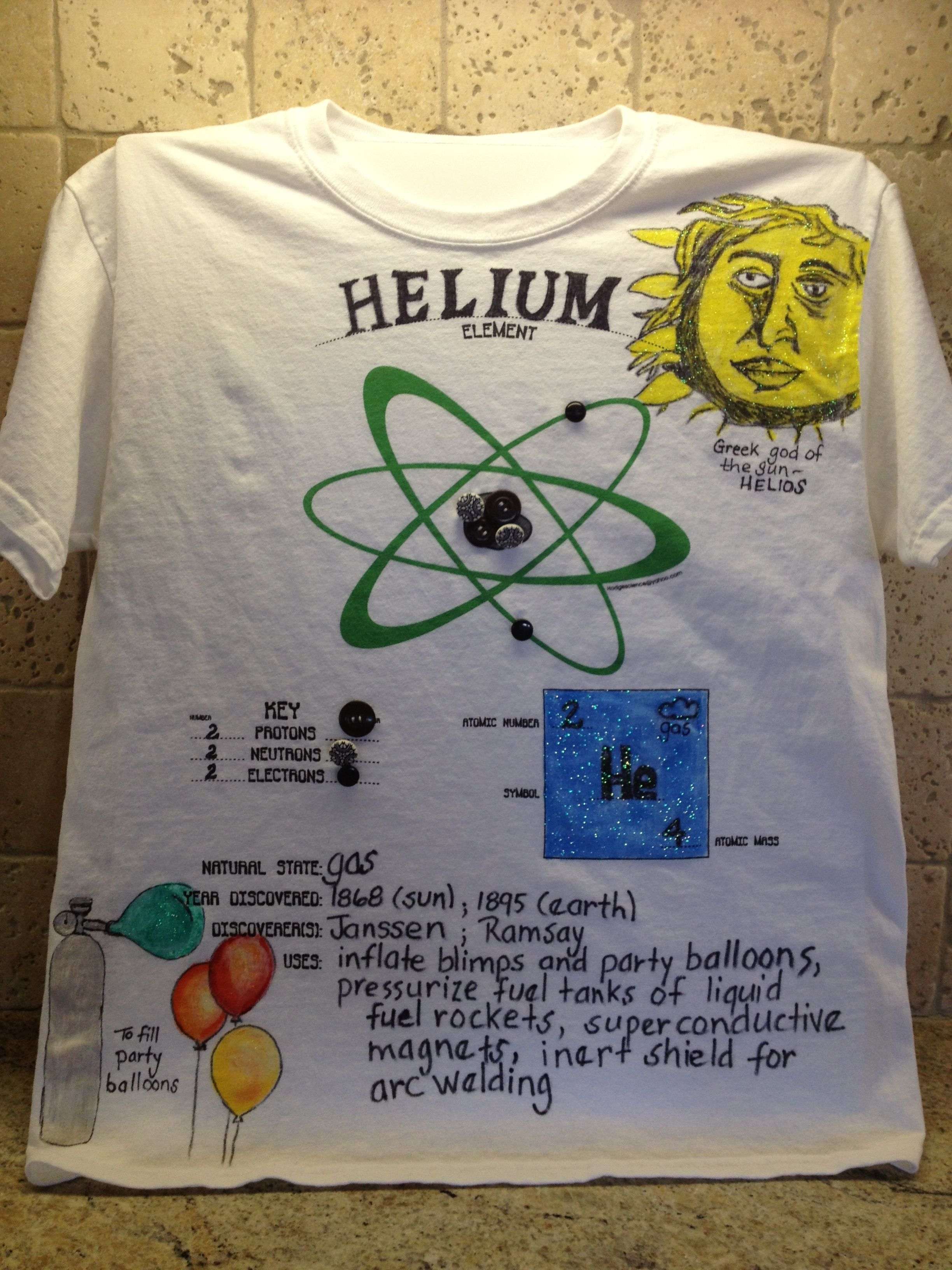 Students Create Individualized T Shirts Featuring An