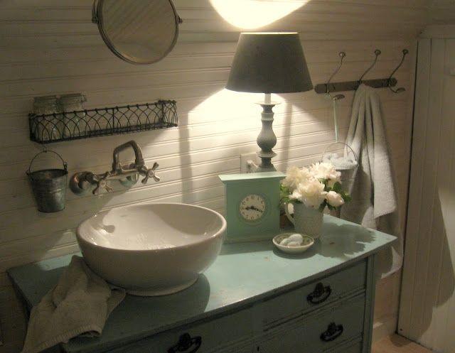 Best 25+ Farmhouse Style Bathrooms Ideas On Pinterest