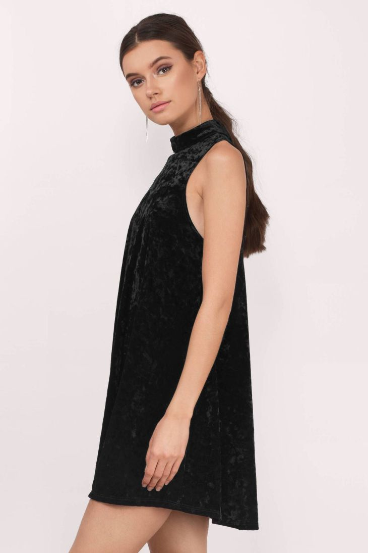 Black Dresses Tobi Black Devyn Crushed Velvet Keyhole Shift Dress
