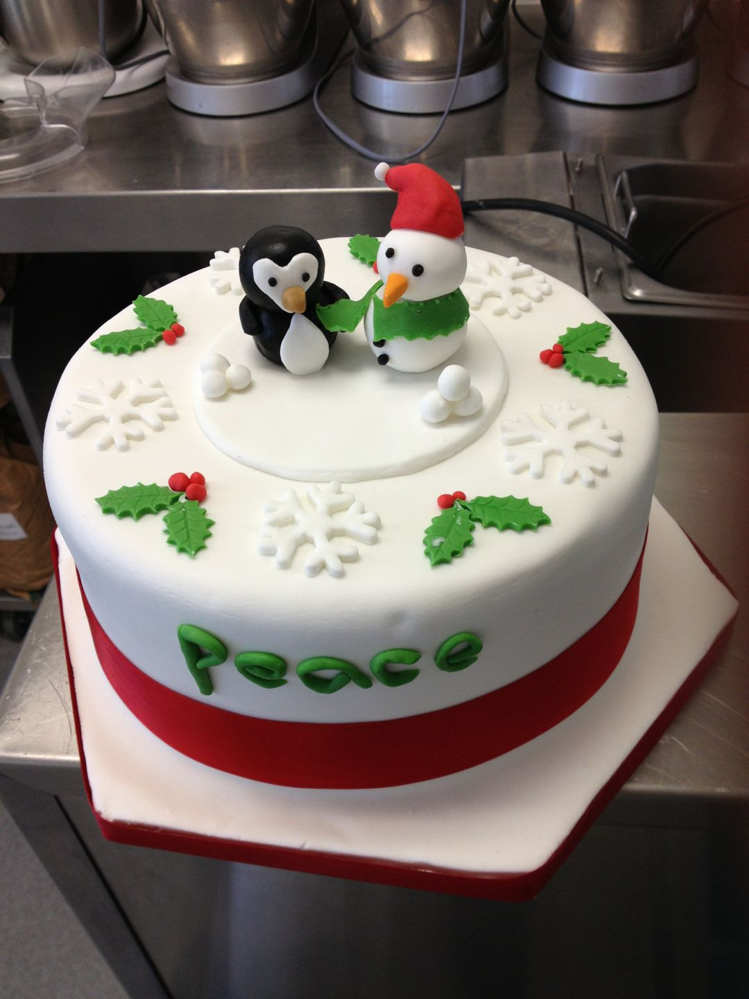 Round Christmas Cake With Penguin Amp Snowman Toppers And