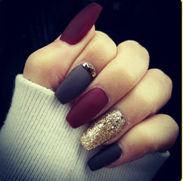 I dont typically like long or pointy nails but WOW Cute nail