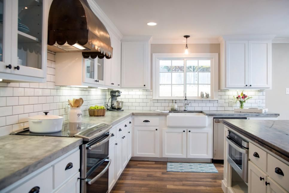 i love this farmhouse kitchen by joanna gaines fixer upper today i am sharing all her sources on farmhouse kitchen joanna gaines design id=95516