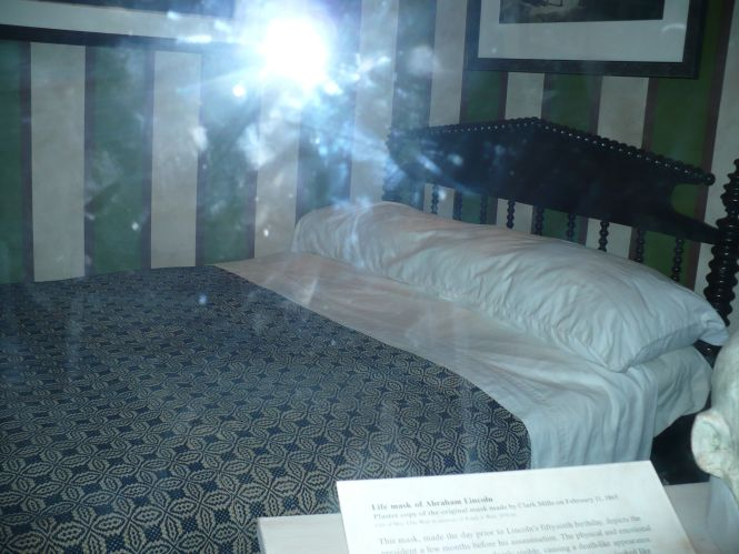 This Is Supposed To Be The Bed Where Abraham Lincoln D I Thought