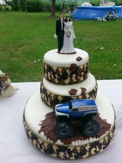 Camo Mud Truck Wedding Cake Cissys Sweets Pinterest