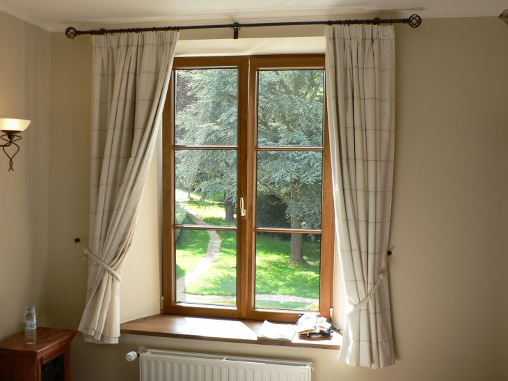 Things You Can Clean With Lint Rollers  House window replacement