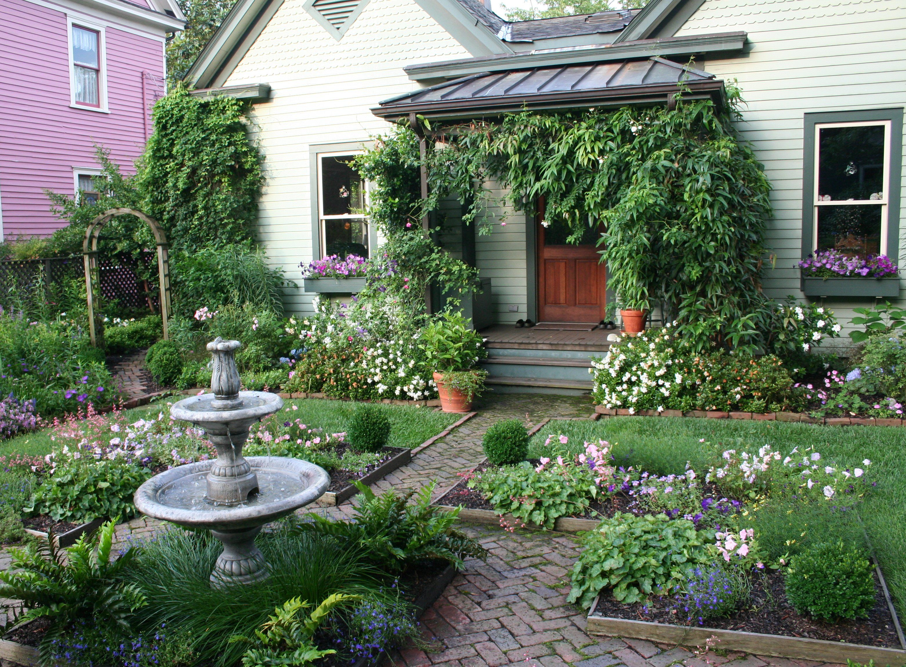 Cottage landscaping ideas | Cottage Garden Gardening with ... on Bungalow Backyard Ideas id=72855