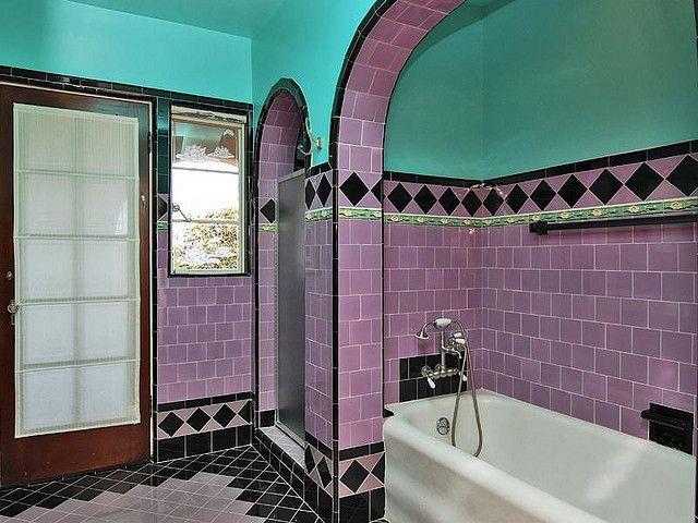 Pinkish-lavender And Aqua 1930 Bath