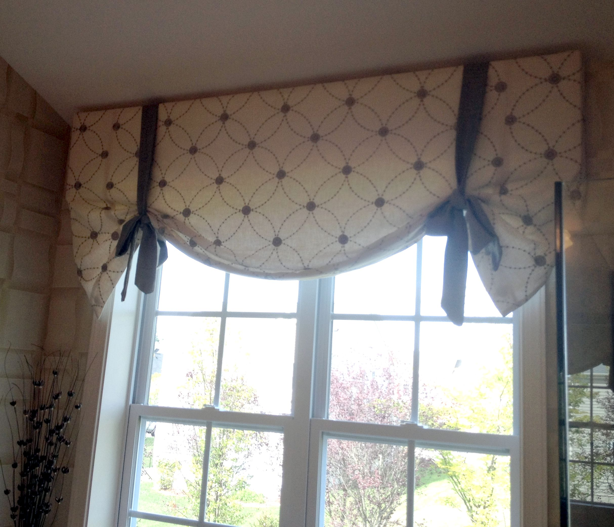 This Butterfly Valance Is Super Easy To Make You Can Find