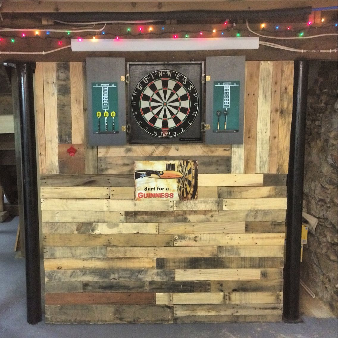 pallet wall in man cave built for dart board house on pallet wall id=71975