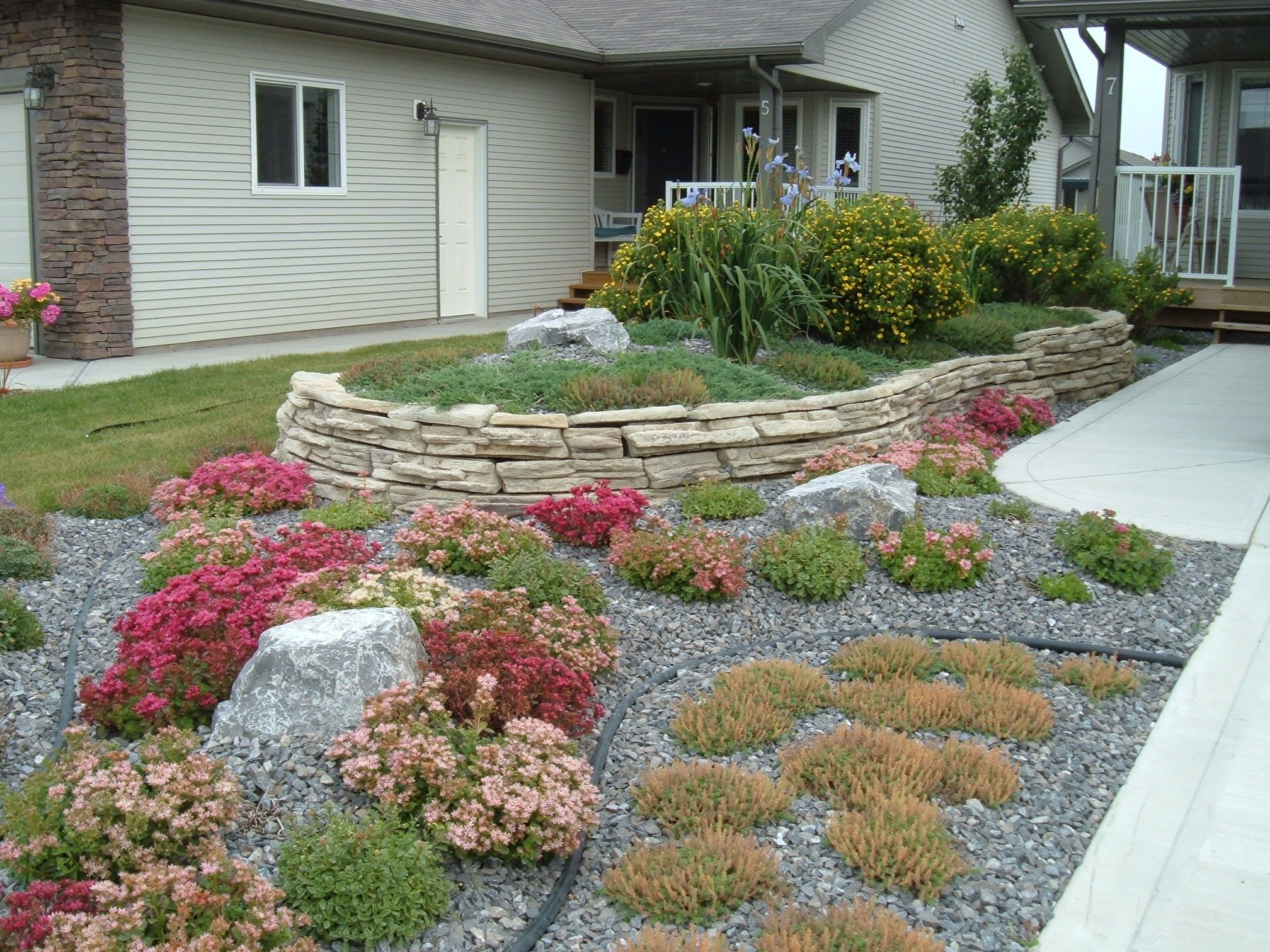minimal maintenance landscaping a no lawn front yard with on inspiring trends front yard landscaping ideas minimal budget id=71751