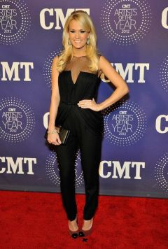 Carrie Underwood Cute Outfits - Black jumpsuit, clutch purse, red and black high heels