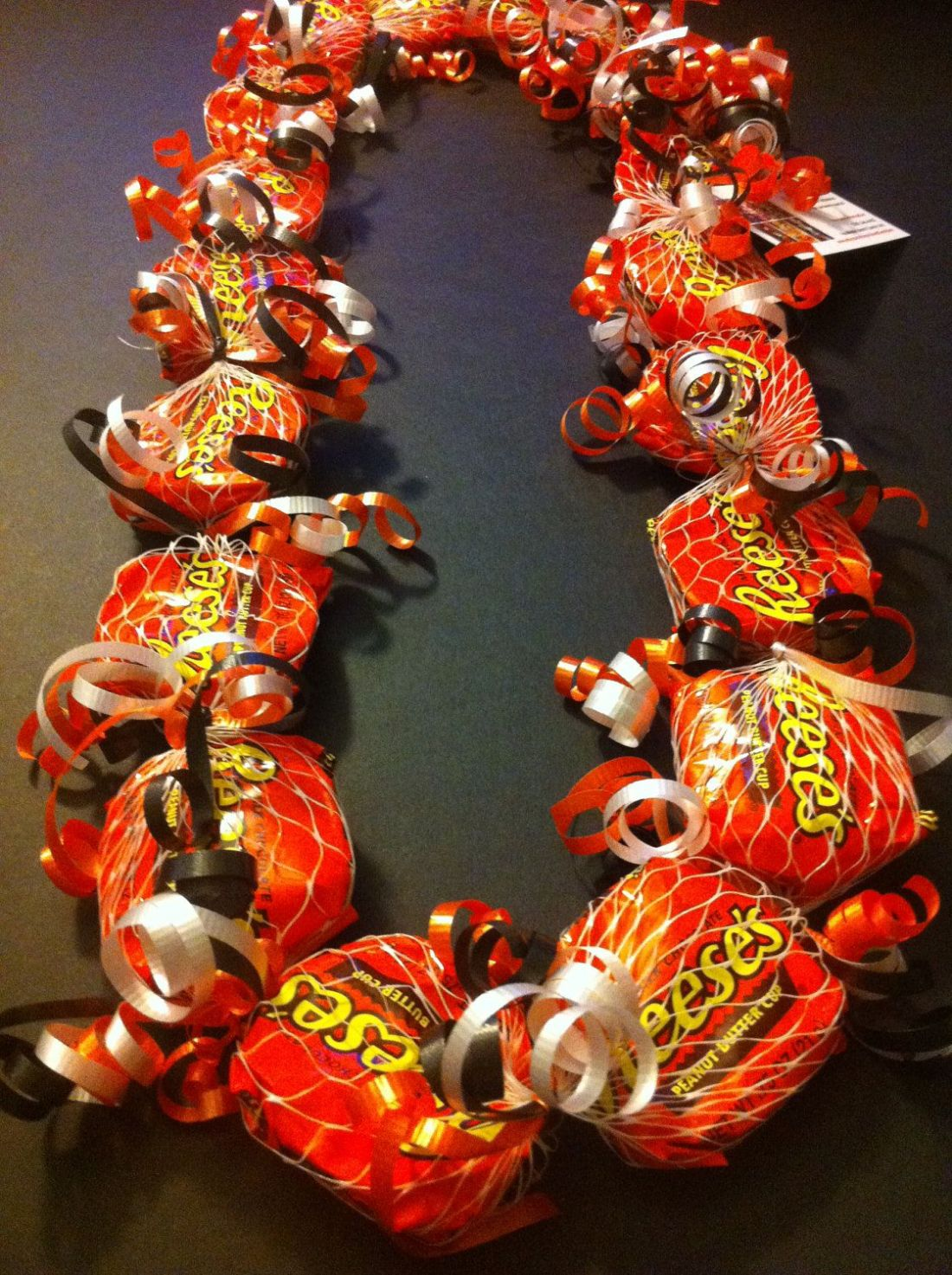 how to make a money lei with candy