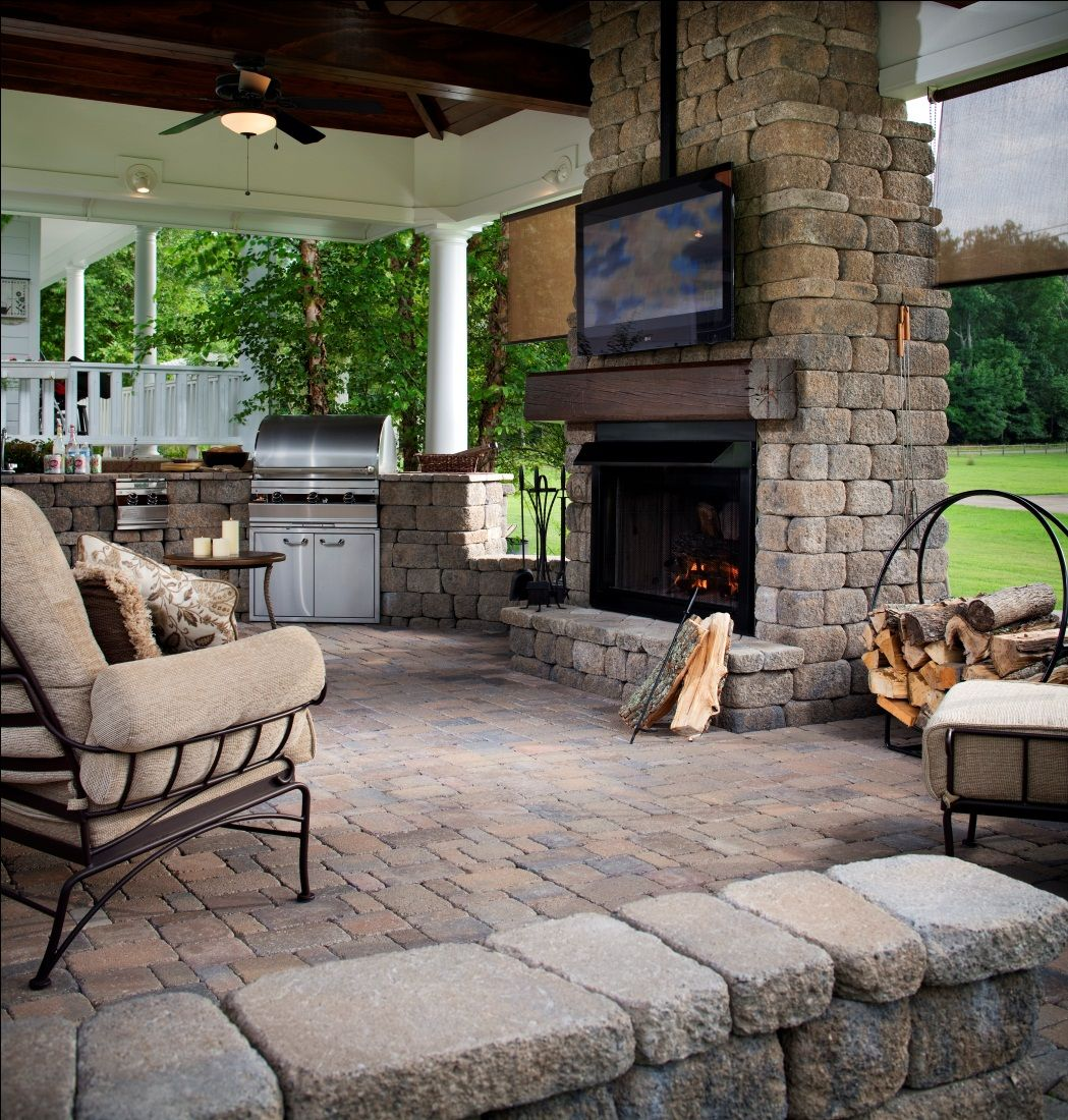 The 25+ best Outdoor entertainment area ideas on Pinterest ... on Garden Entertainment Area Ideas id=91716