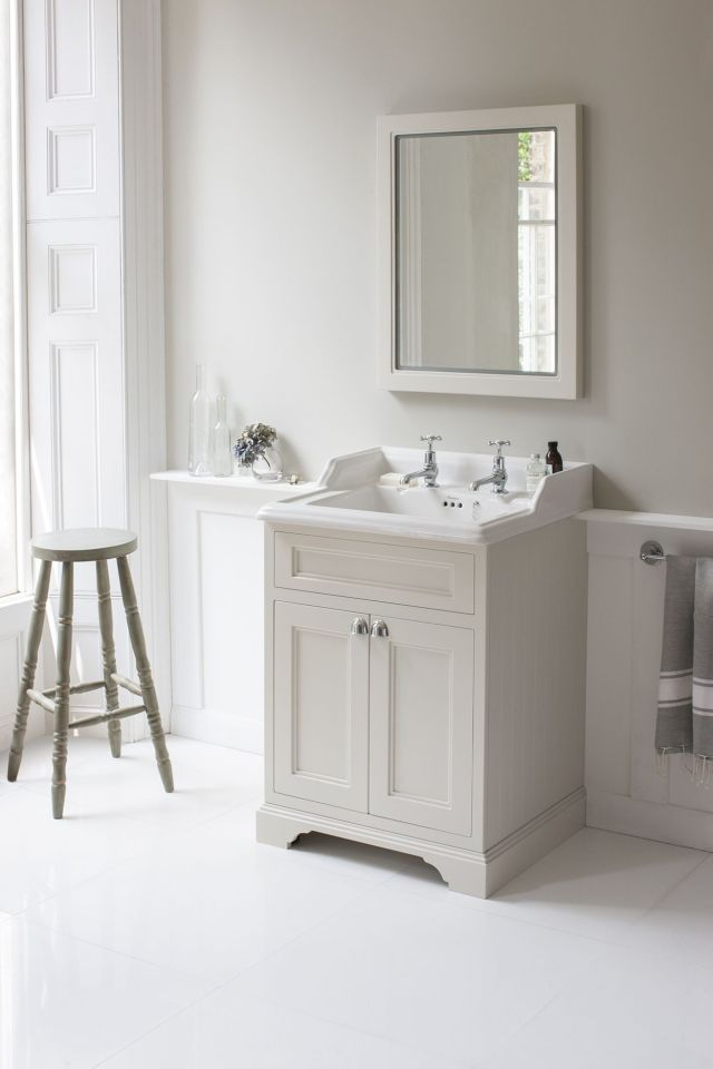 Bathroom vanity cabinet with countertop and bowl sink