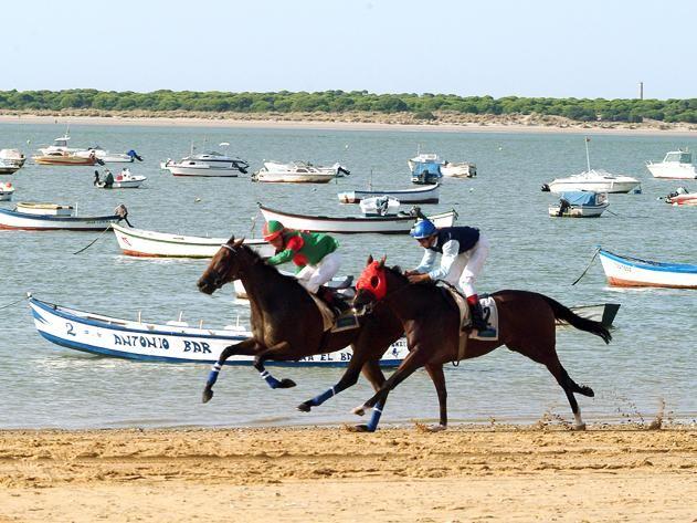foto de las carreras de caballos en sanlúcar de barrameda