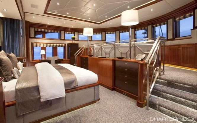 Split Level Master Suite Blind Date Charter Yacht