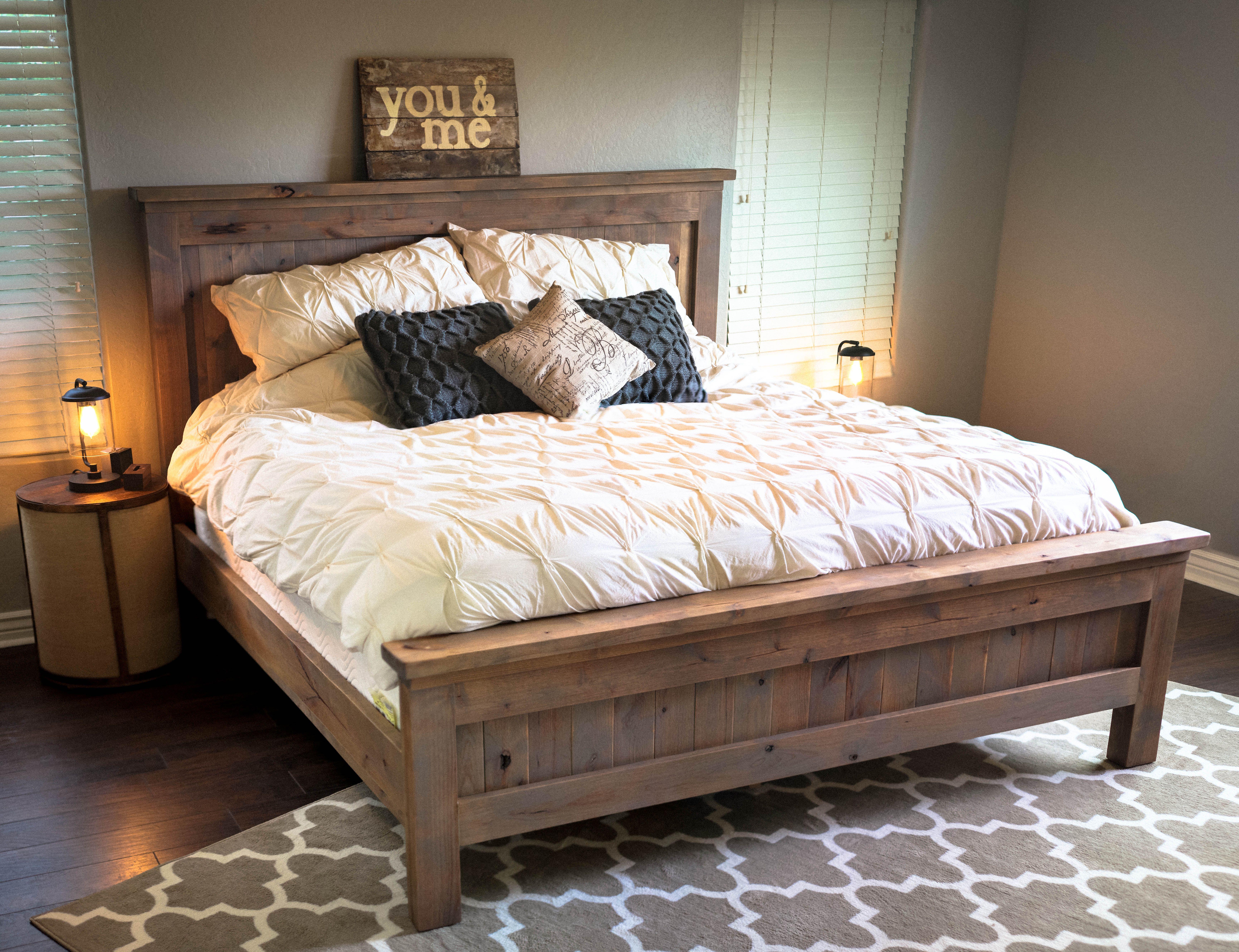 Farmhouse King Bed
