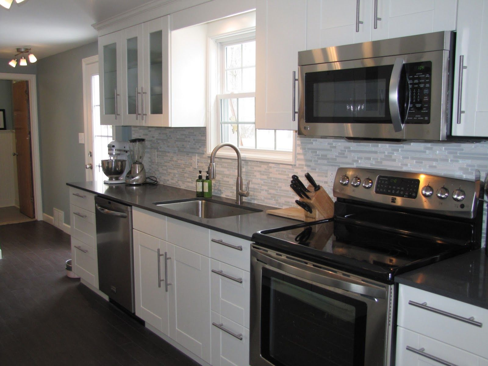 Glamorous Kitchen Cabinet Colors With Black Appliances