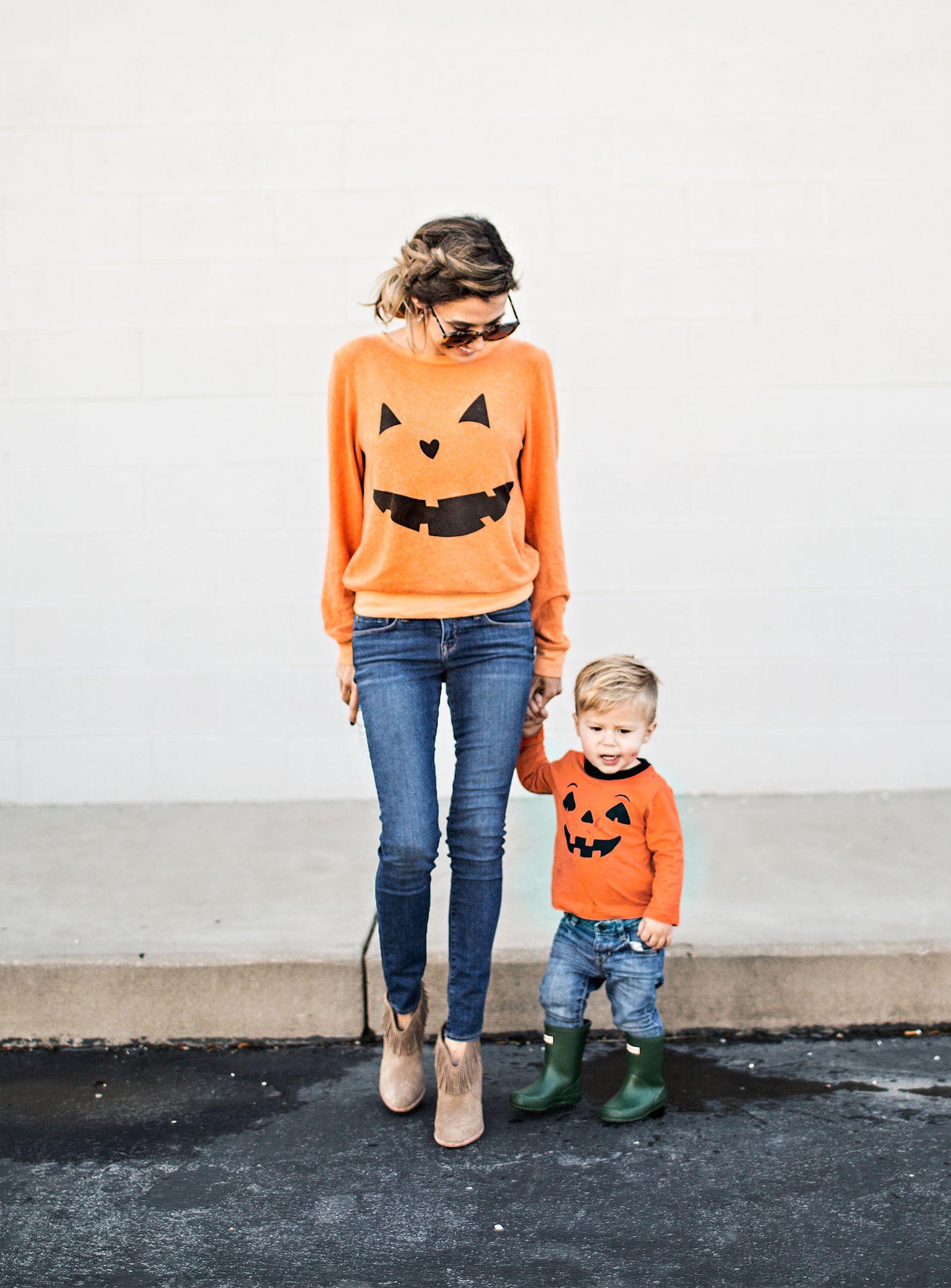 Loving These Matching Jack O Lantern Sweatshirts Cute For Halloween