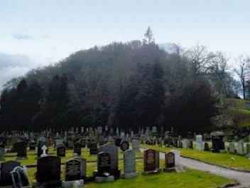 Resultado de imagem para Tomnahurich Hill