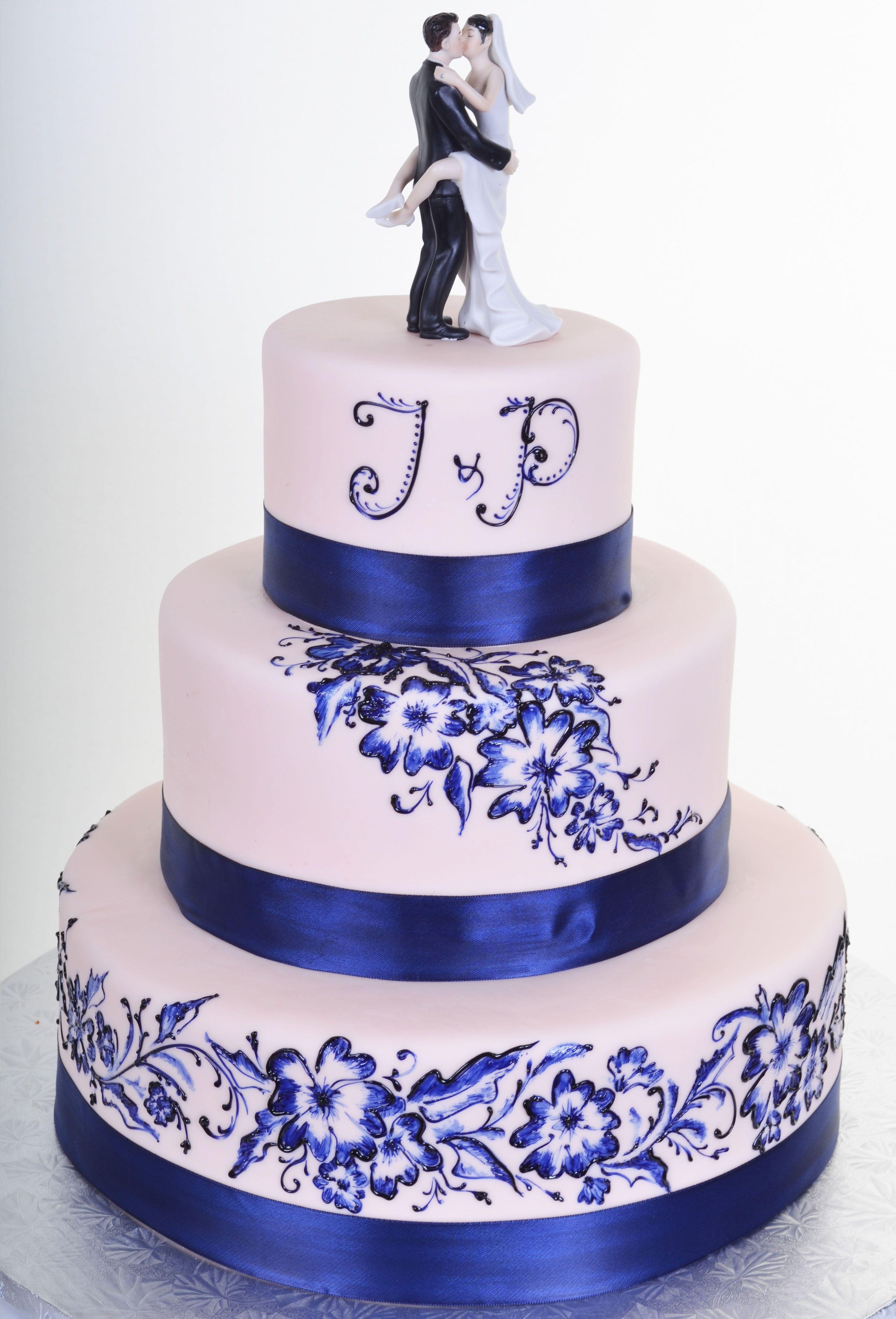 Kissing Couple Bride Amp Groom Cake Topper