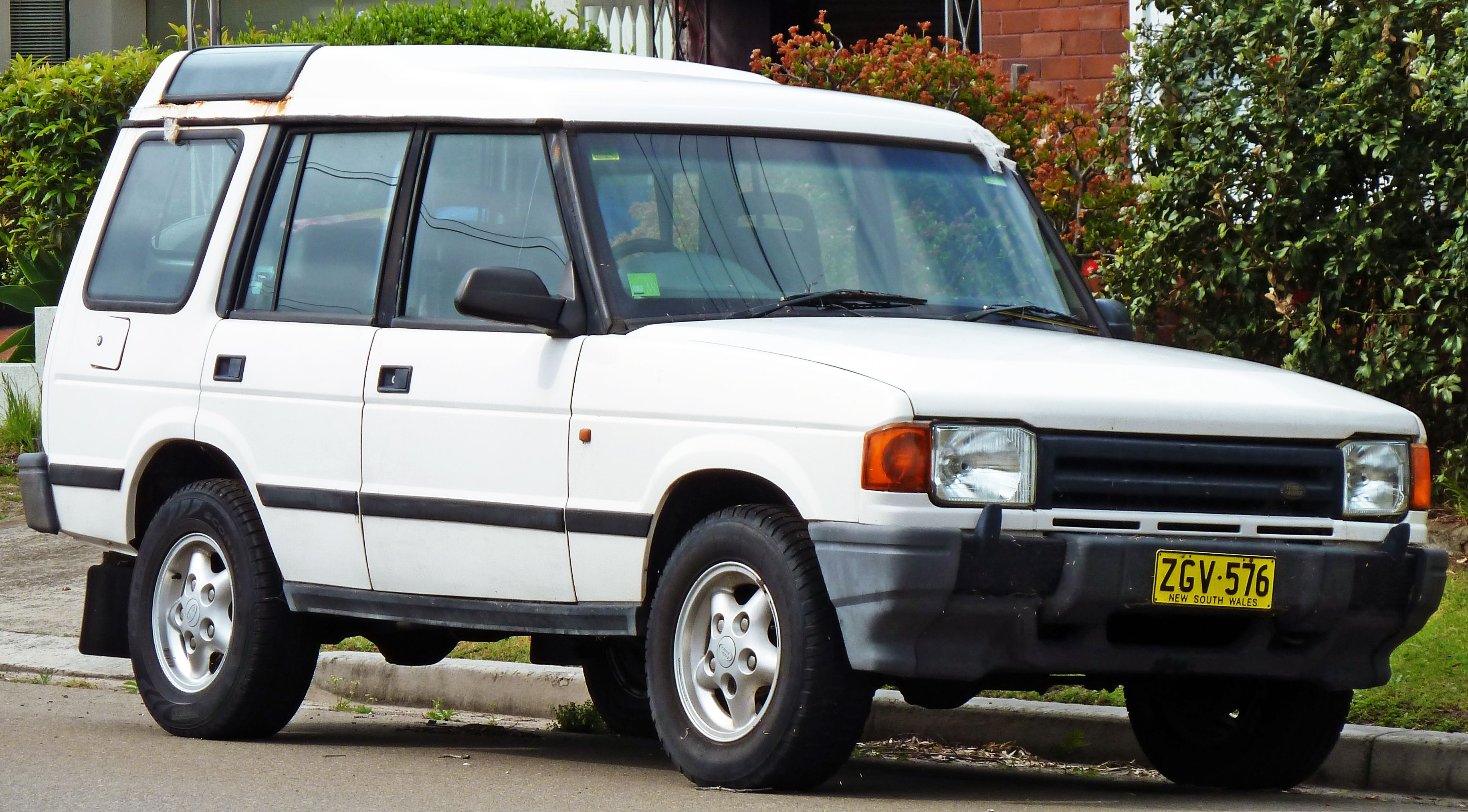 1994 1997 Land Rover Discovery V8i 5 door wagon 4 4