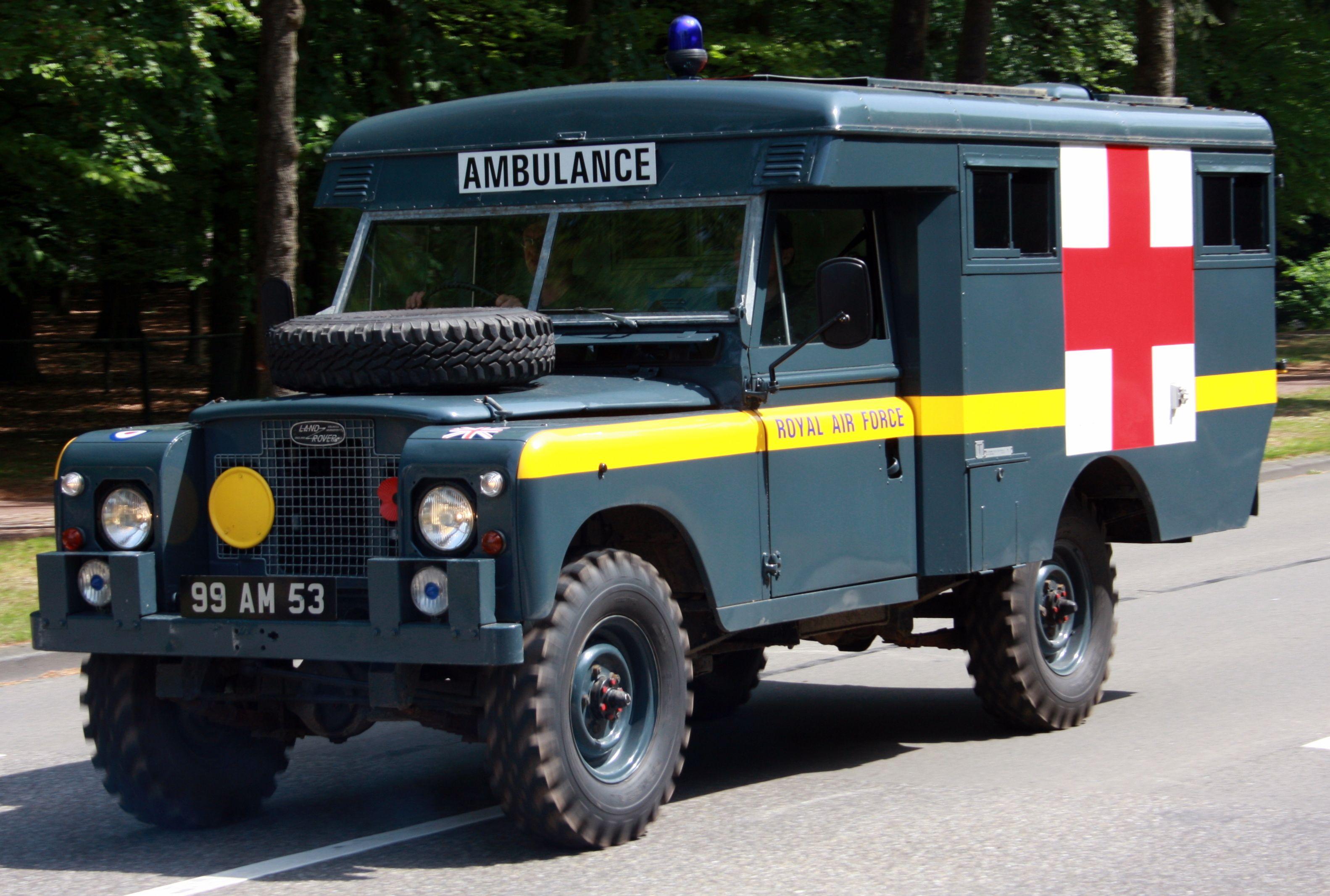 land rover ambulance Land Rover MILITARY Pinterest