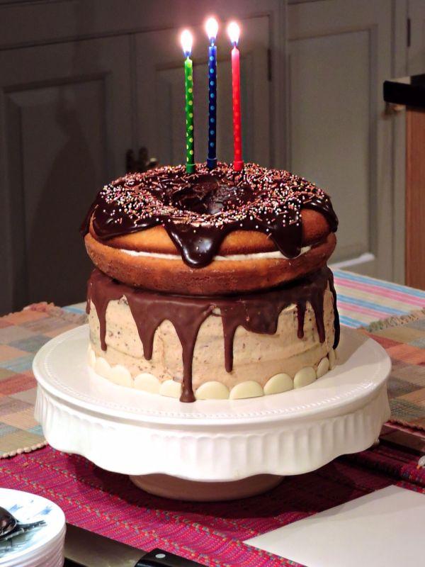 Giant Doughnut Birthday Cake   Doughnuts, Birthday cakes ...