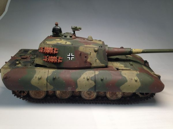 Built 1/35 E100 German Heavy Tank With One Crew Figure ...