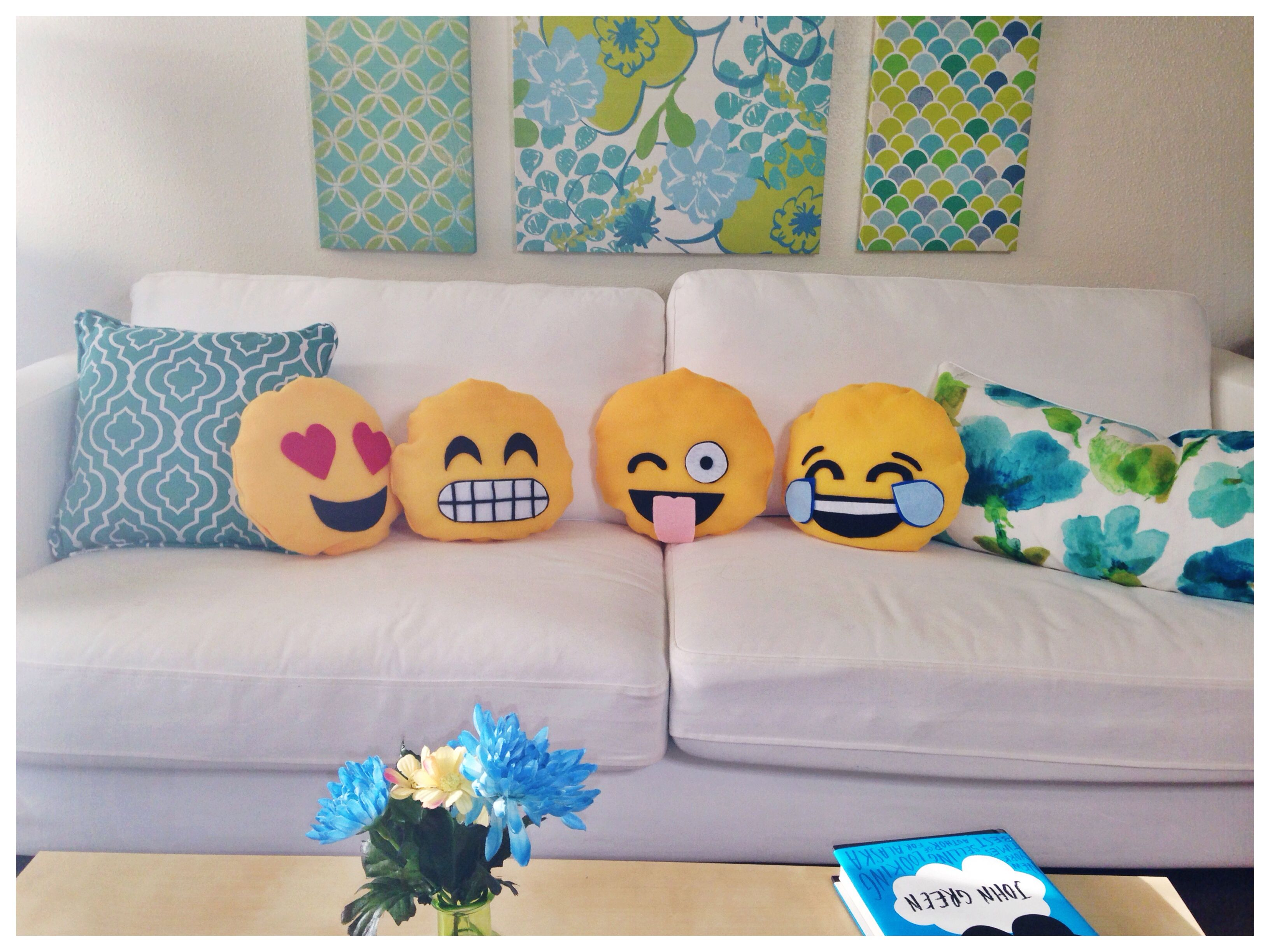 Emoji Pillow Diy