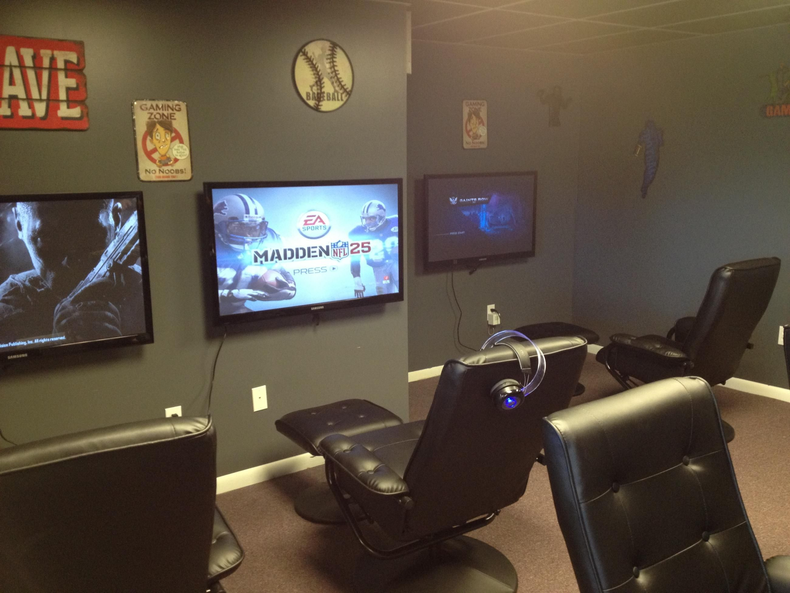 Are you looking for some amazing game room ideas? I don't know about this many tv's...but I do like this so ...