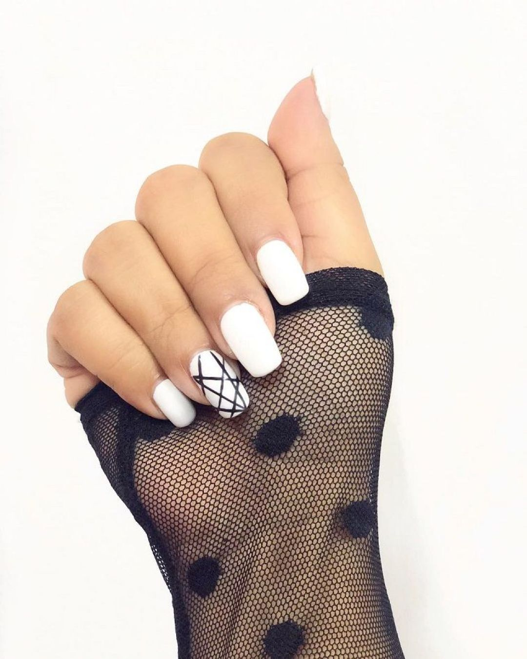 14 Geometric Nail Art Design ideas to try,triangle nail art, geometric nail designs,modern nail art,prom nail art design #promnail #nailartdesign #geometric