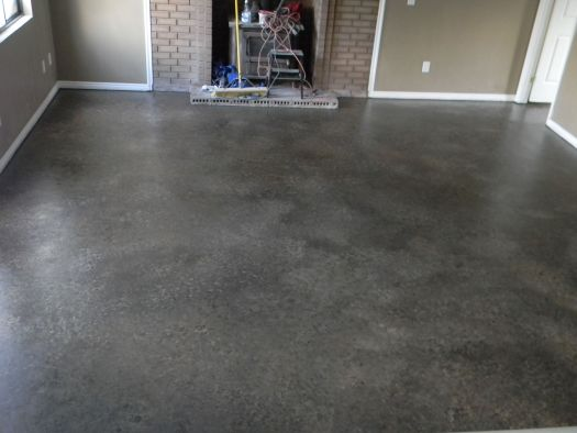 2 Cans Of Lowes Concrete And Floor Paint In Gray For The Primer 3 Quarts 1 Beige Dark Brown Black Undertone Can Amber