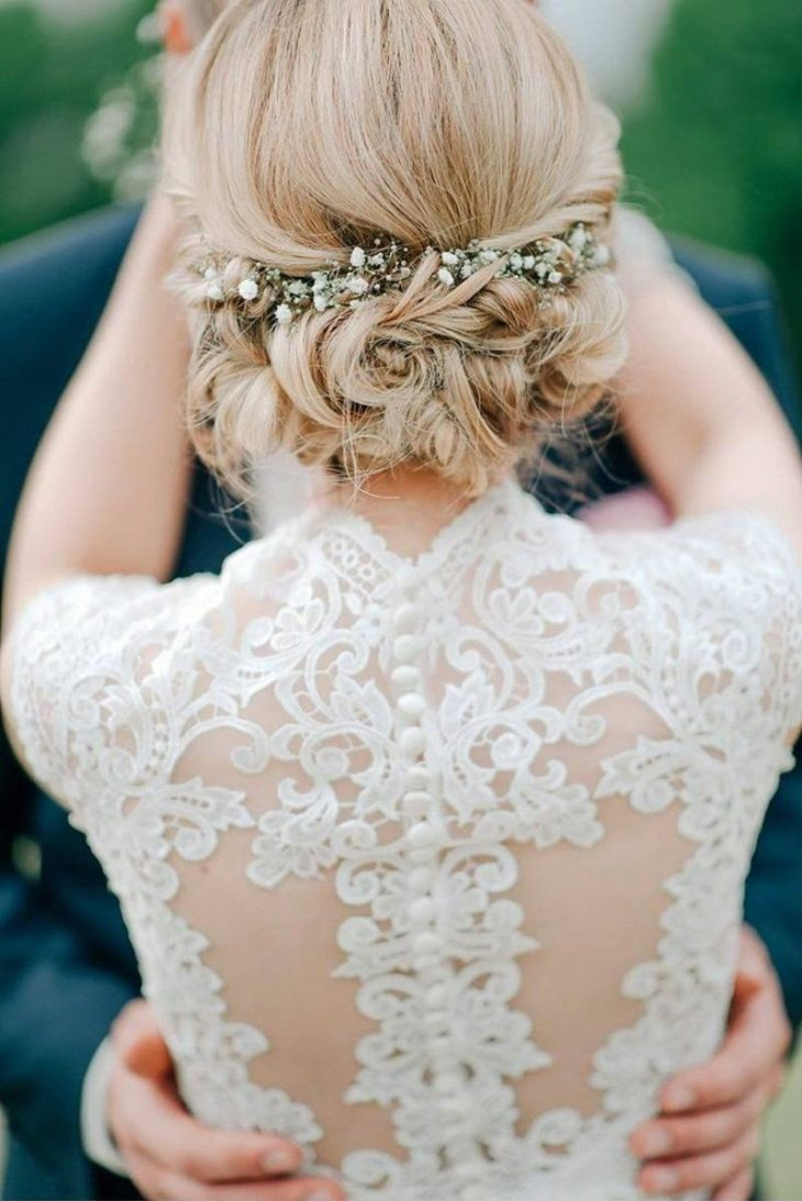 Steckfrisur mit Blumen Haarschmuck Hochzeit Pinterest Wedding