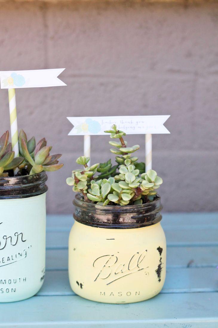 Motherus Day Gifts That Belong In a Mason Jar Sandpaper Chalk