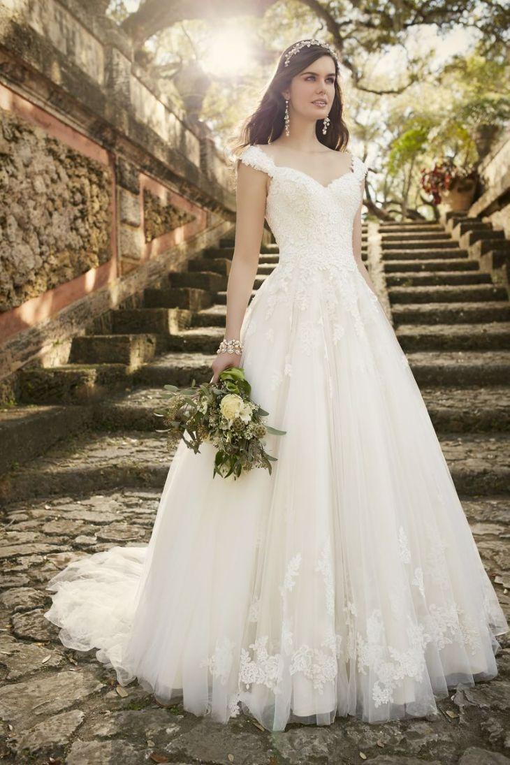 Essense Brautkleider kaufen in München bei Brautmode Svetlana