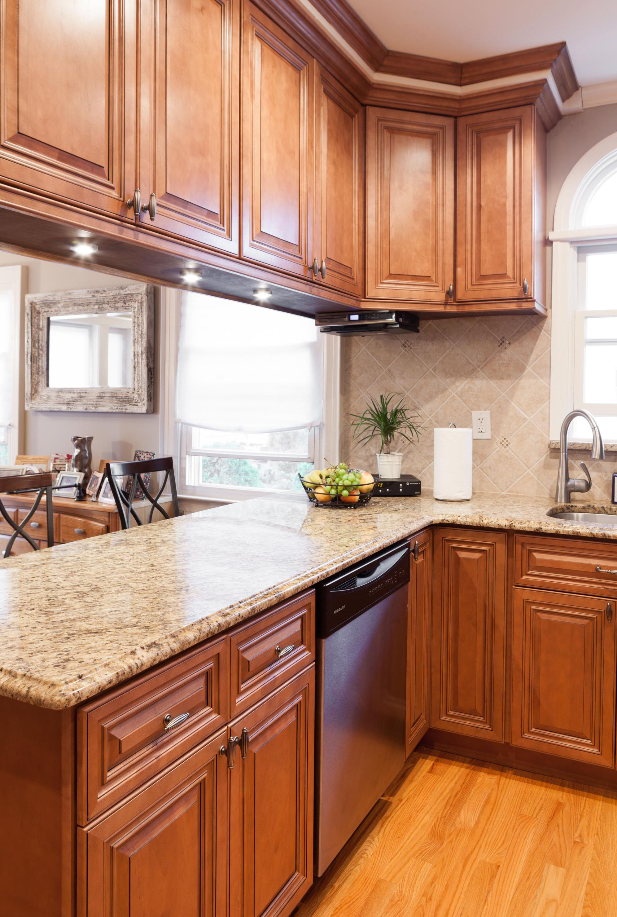 j k traditional maple wood cabinets in cinnamon glaze style co66 j k traditional cabinets on j kitchen id=68762